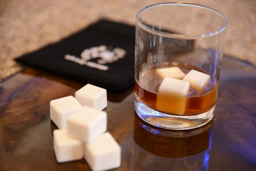 Whiskey stones – Cold cubes for drinks