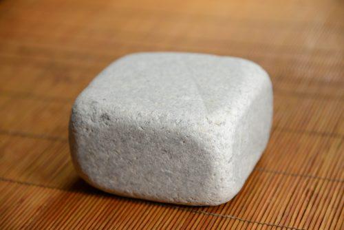 """Biela mramorová dlažobná kocka 10"""" – opracovaná"""