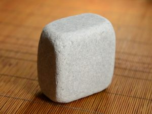 White marble cobblestone 10″ – worked - 4